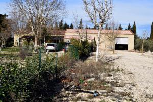 Orange Maison 250 m²  4 chambres avec Hangar sur 1 hectare de terrain