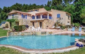 Pertuis Propriété de 300 m² sur 3 hectares de terrain avec piscine