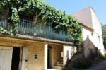 Maison en pierres de 93 m², jardinet, terrasse, garage et ateliers