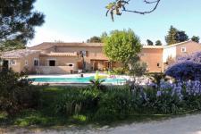 Pierrelatte Mas 5 chambres + 5 Gîtes indépendants et Piscine sur 1 hectare de terrain